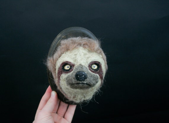 Sloth Sculpture (Bradypus variegatus)