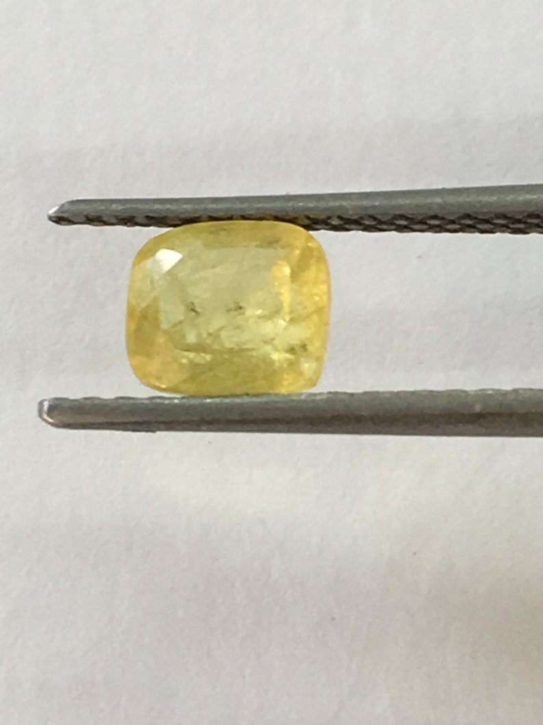 Small size yellow sapphire cushion ring weight 0.90 carat size 5.4x4.7mm natural sapphire unheated sapphire ring sapphire ring