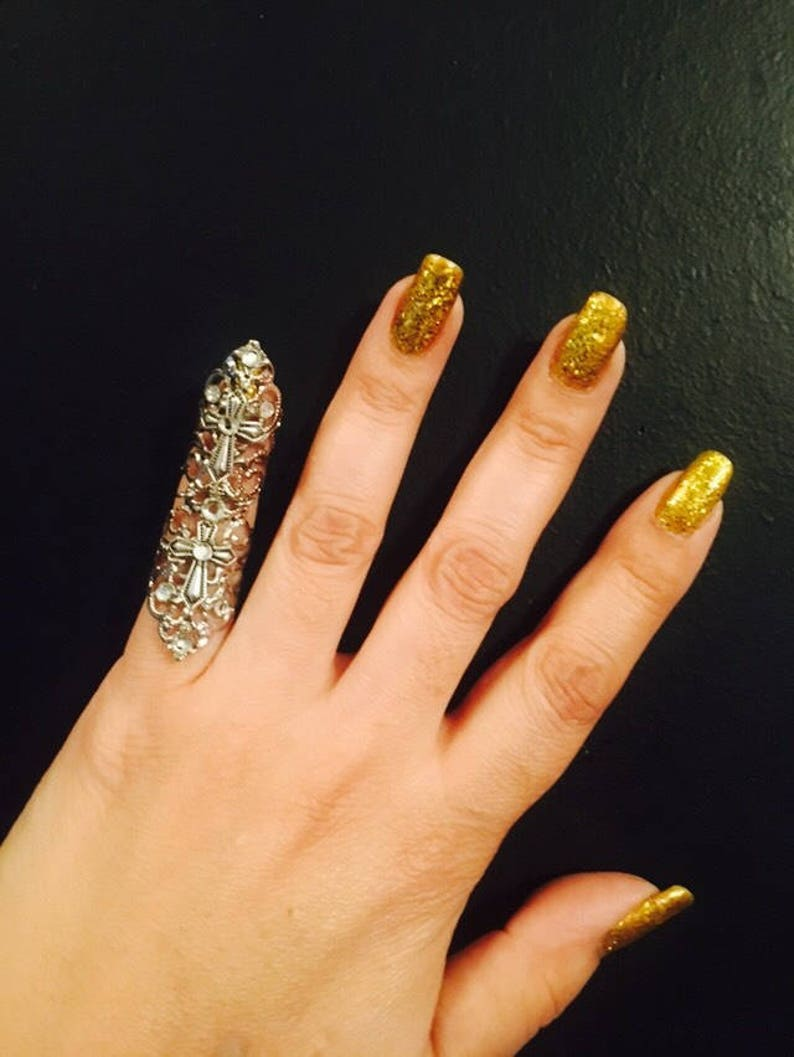 Ring am kleinen Finger Doppelkreuz Ring am kleinen Finger