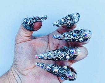 Crystal nail guards,claw rings,nail tips,nail rings,metal fingertips,nail covers,claws,crystal claws,5 pcs.silver filigree,Ab crystals.