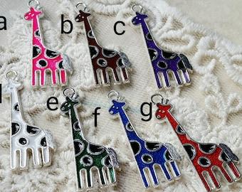 11 x 31 mm Silver Giraffe Metal Charms. (.t)