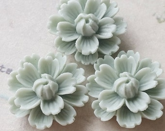 26 mm Spring Green Chrysanthemum Resin Flower Cabochons (.ng)(ZZB).