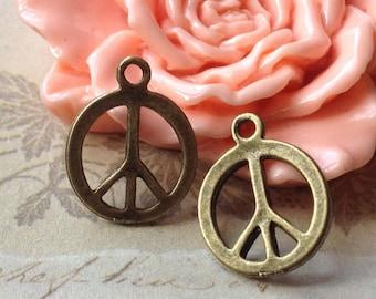 17 mm Antiqued Bronze Peace Sign Charm Pendants (.ts)