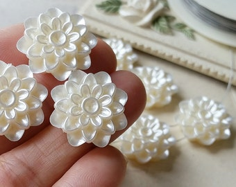 19 mm ( 4 holes) Beige Color Dahlia Flower Pearlised Flat Back Pearl Cabochons (.tms).
