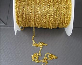 Yard Good: Delicate golden anchor chain