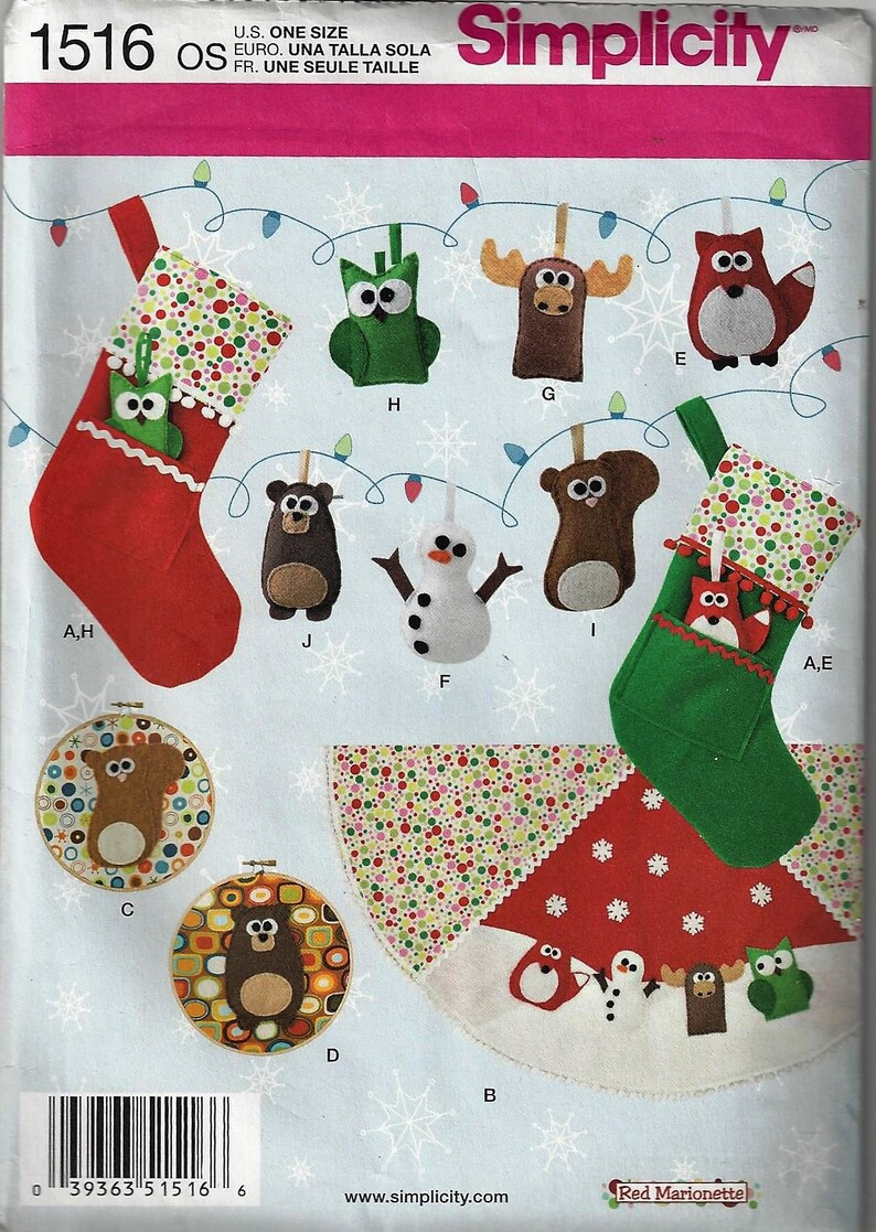 Simplicity 1516 Christmas Crafts Sewing Pattern Felt Ornaments Stocking Tree Skirt Wall Art One Size New Uncut Factory Folded