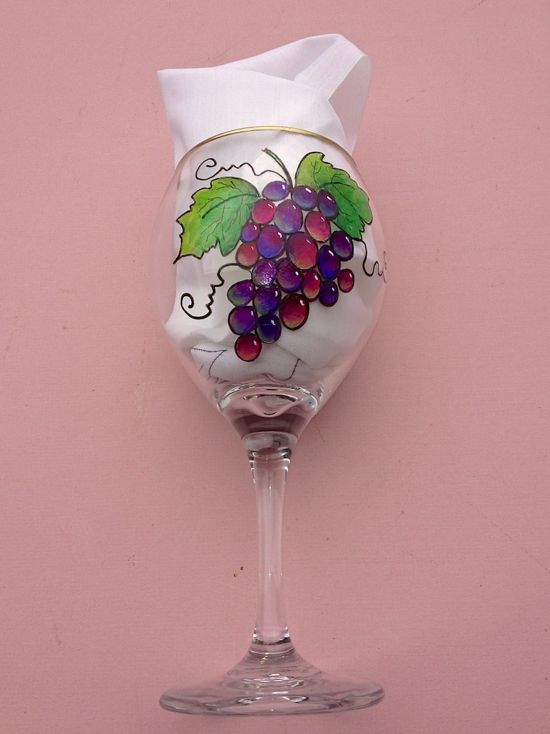 Pictures Of Grapes And Wine Glasses