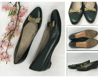 1d48255eaf0dce Vintage Salvatore Ferragamo Green Leather Heels Pumps Womens 8.5 AA Bows Extra  Narrow