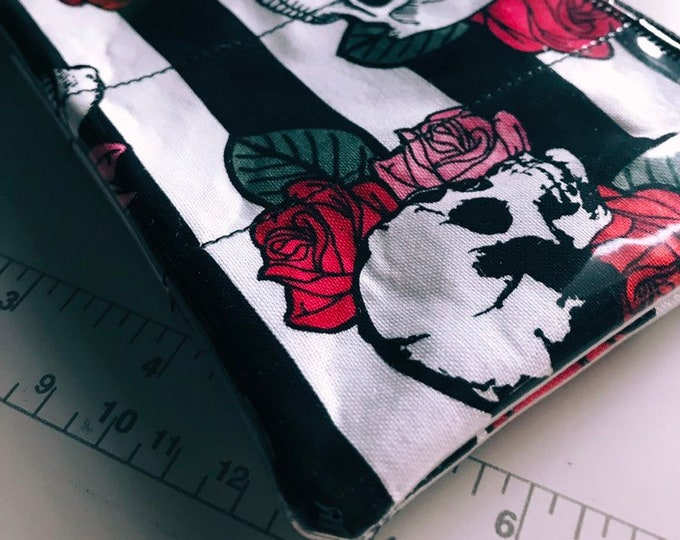 Zippered Pouch - Skulls & roses coin purse/change purse