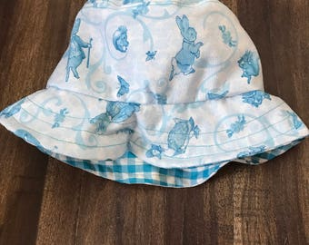Baby bucket hat in a Beatrix Potter - Peter Rabbit fabric (6-12 months)