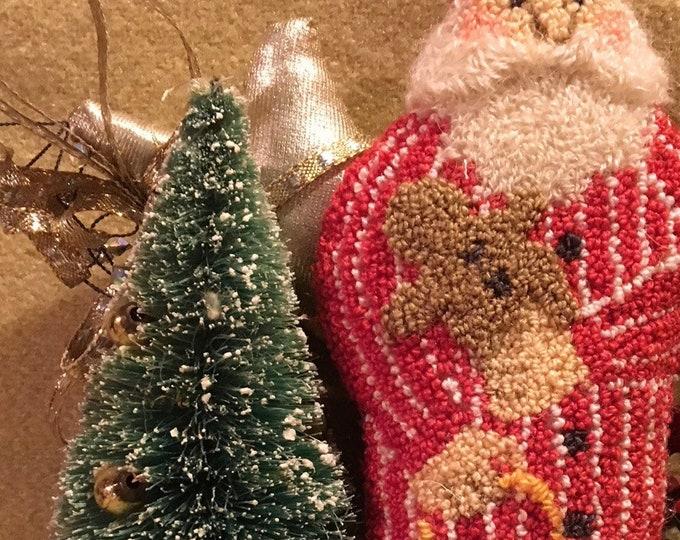 Primitive Punchneedle Pattern Cookie Thief Santa