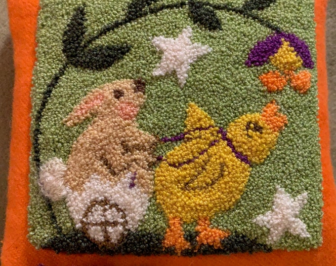 Primitive Punchneedle Pattern Home Chickie