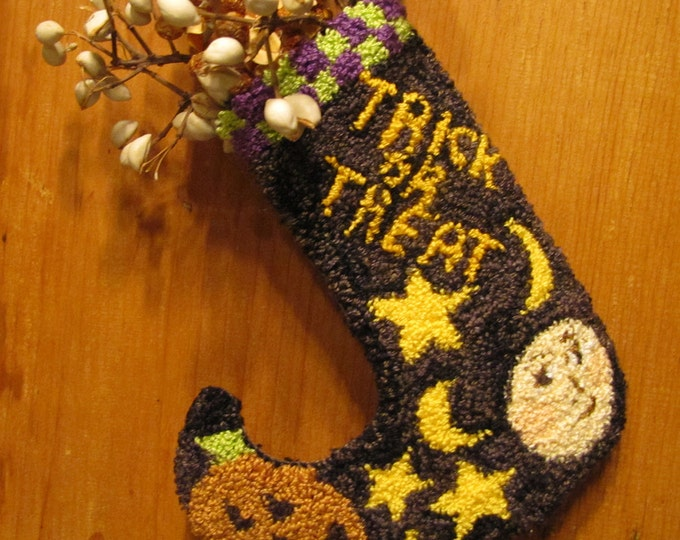 Primitive Punchneedle Trick or Treat Stocking Pattern