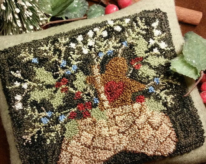 Primitive Punchneedle Embroidery Pattern Holly Basket