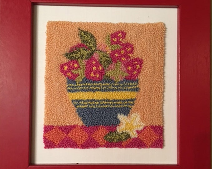 Primitive Punchneedle Embroidery Pattern Strawberrie Bowl