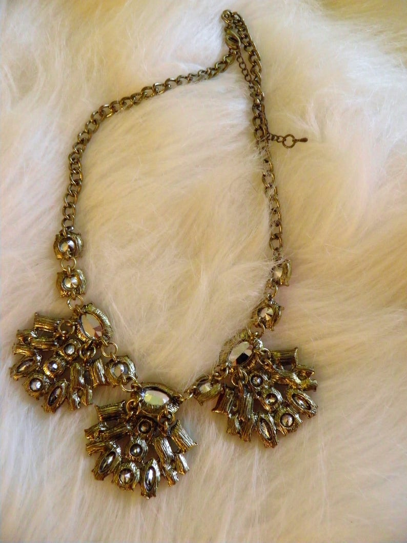 SALE*****Spectacular Runway Statement Necklace Old Hollywood Glamour.*******NOW