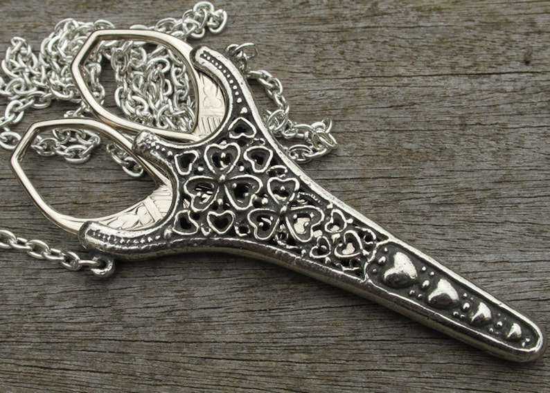 Filligree Chatelaine with 3.5 inch Rococco Scissors lacemaking and embroidery