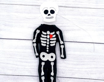 Skeleton : Holiday Elf Sweater Photo Prop Clothes