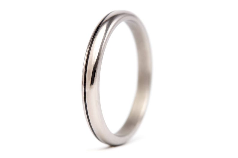00334/_2N Unique and modern round wedding band Women/'s titanium and carbon fiber ring very durable and hypoallergenic. Water resistant