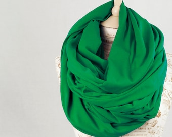 Oversized Scarf Chunky Scarf, Green Scarf, Hooded Infinity Scarf, Kelly Scarf, Winter Scarf, Circle Scarf Green Gift for Her Womens Scarf