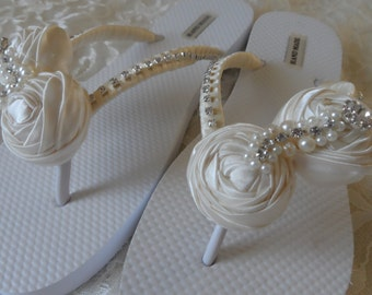 273794bbe6d56f Ivory Rolled Flowers Flip Flops   Bridal Flip Flops   Beach Wedding Shoes    Bridesmaids Gift   Bridal Shower   Bachelorette party .