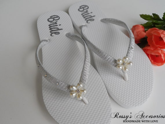 Shoes Personalized Decal flops Beach Bridal Flops Pearls Bride Flip Wedding Wedding Decal for Bride Flower Shoes Gift Shower flip WOvHAU