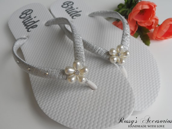 Wedding flip Pearls Decal flops for Decal Flops Bride Shoes Bridal Flower Beach Wedding Flip Shoes Gift Personalized Shower Bride zqHwY4g