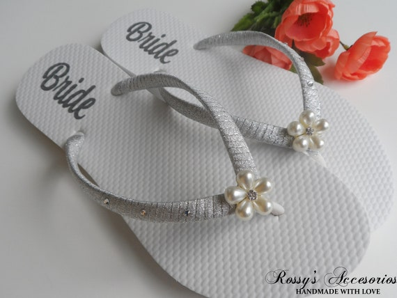 for Wedding Beach Gift Shoes flip Bridal Decal Shower Bride Flip Flops flops Decal Wedding Bride Shoes Pearls Flower Personalized 15q8ZwSZ