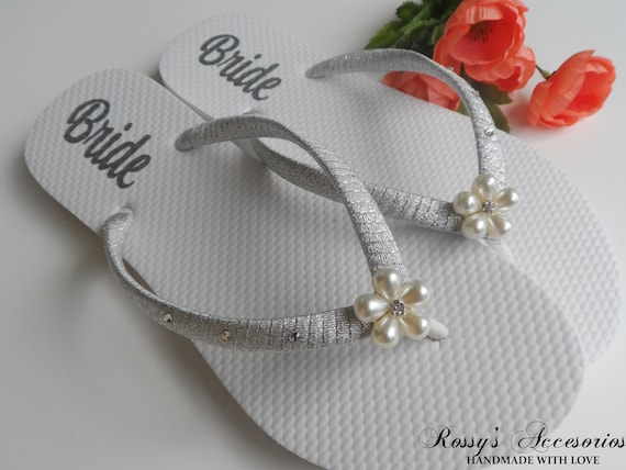 Flops Shoes for Gift Bride Shoes Wedding Shower Flip Decal Bridal flops Pearls Personalized Beach Bride Decal Wedding Flower flip twqZvBxg