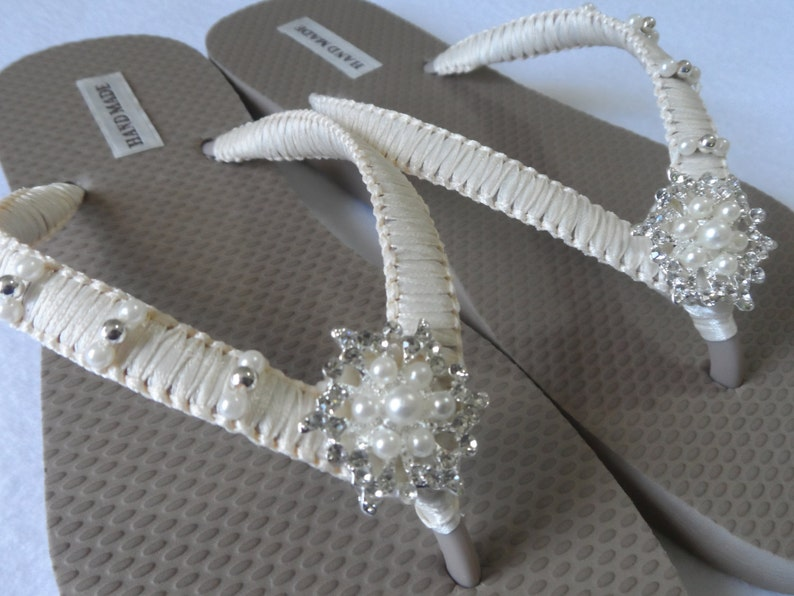 1bc63e8bcd1f5 Bridal Ivory Flip Flops / Wedding Sand Color Flip Flops / Wedding  Rhinestone Flip Flops / Bridal Sandals / Bridesmaids Shoes/ Wedding Shoes.
