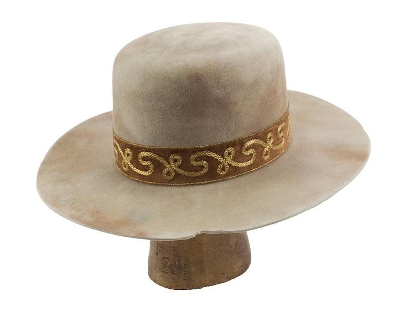 hand dyed flat crown beaver fur felt hat w vintage ribbon hatband w gold scroll: gold scroll  7 14 ish