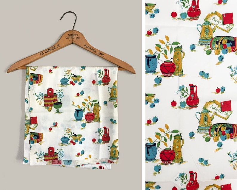 Mid Century Kitchen Cotton Fabric 1 Yard Apples Pitcher Vase image 0