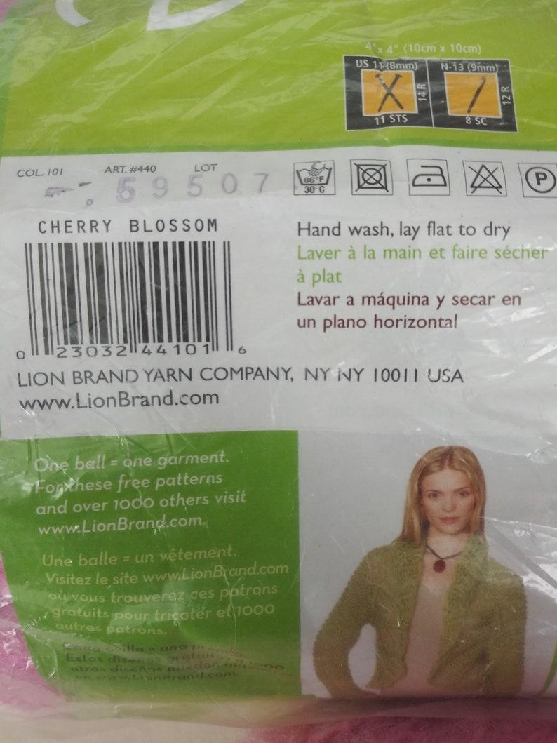 Lot Lion Brand Yarn Romance Yarn 11,9 oz Cherry Blosson