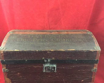 Antique Hump Back Advertising Doll Trunk Treasure Chest Primitive Vintage  Rustic Pirate Storage Chest Baby Doll Clothes Dave U0026 Ike Clothiers