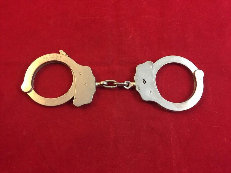 Prison D' Peerless Antique Flic Arrestation Menottes Voiture Escouade Menotte The Policier Criminelle Contraintes CoPolice rxQCoeWdB