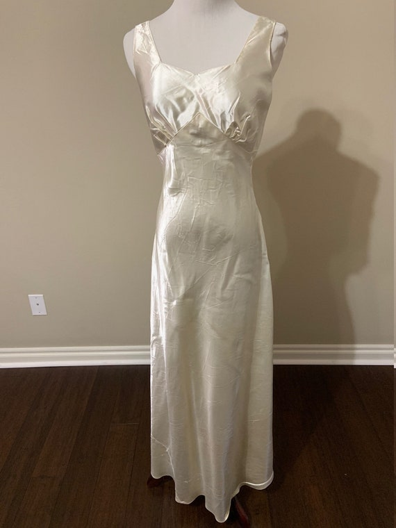 Splendid 1930s Art Deco Satin Wedding Gown