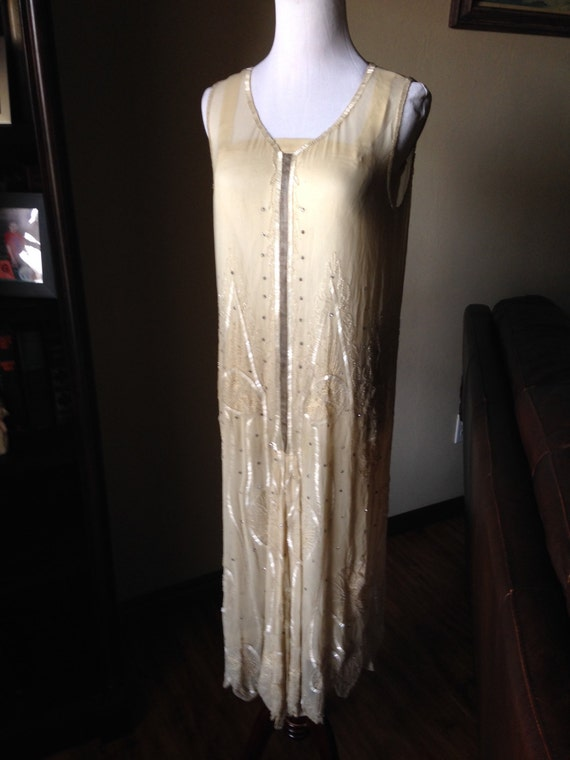 Glamorous 1920s Paris Wedding Dress