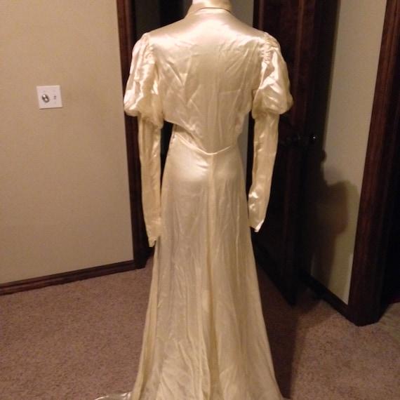 Glamorous 1930s Couture Liquid Satin Wedding Gown - image 4