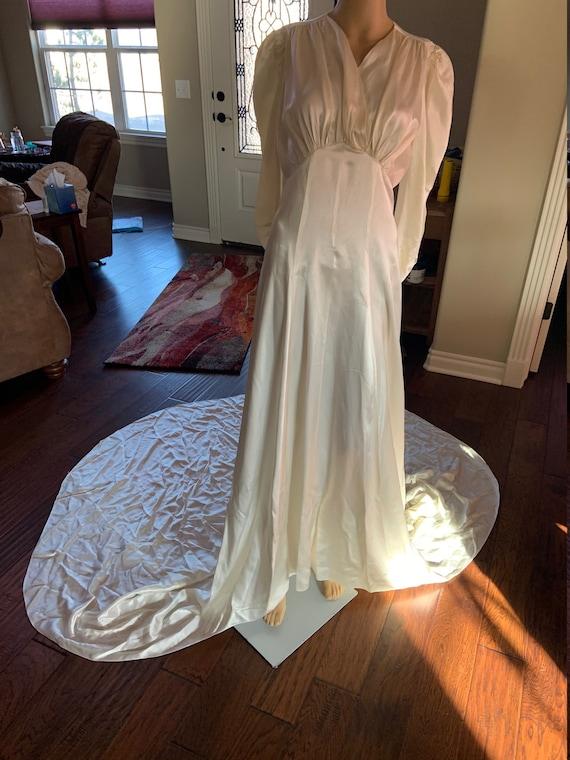 Sexy 1930s Satin Wedding Gown
