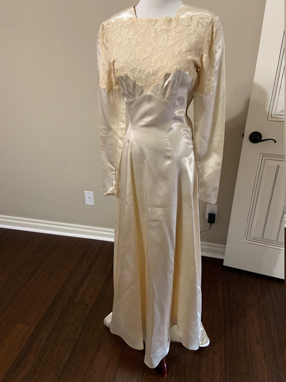 1940/'s50/'s Ivory Satin and Lace Gown  Antique Wedding Gown  Stevie Nicks  Rare Collectable Retro