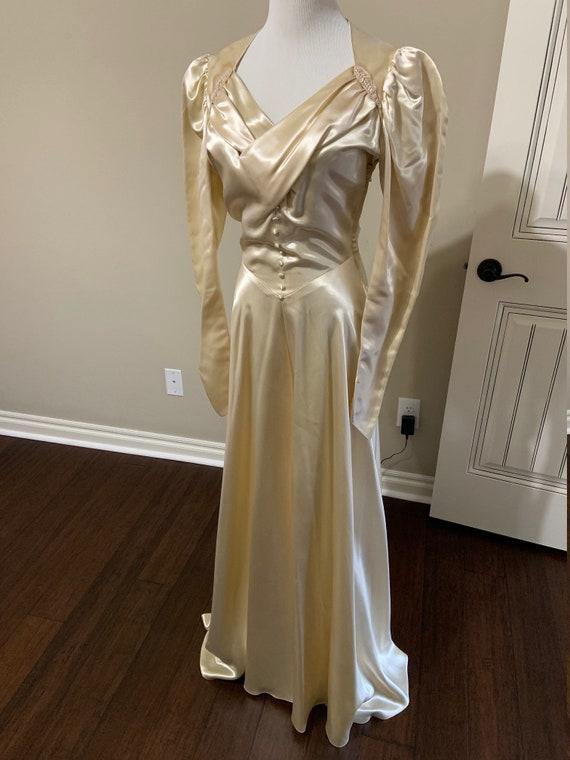 Glamorous 1940s Wedding Gown