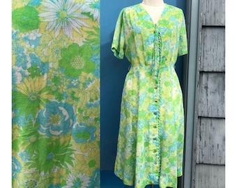 Vintage 1940s tea dress floral spring green . button down . semisheer cotton