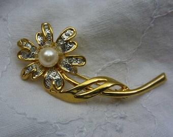 Crystal Daisy Pin Brooch