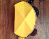 Pyramid cosmetic bag Yellow