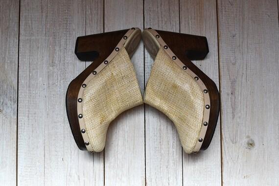 NOS Vintage Beige Wooden Platform Clogs by Getu