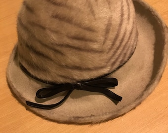 e2bc2a95698 Vintage 1960 s bucket hat Size approx Regular
