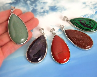 Gemstone pendants/ Jade pendant/ Green gemstone pendant/ Stone pendants/ Natural gemstone gemstones/ Necklace pendants