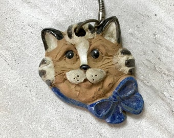 Vintage 1990s Ceramic Kawaii Kitsch Cat Face Bowtie Retro Chachki Keychain
