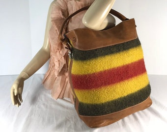 33a74fe902 BARNEYS NEW YORK Multicolor Wool and Tan Leather Trim Shoulder Bag Made in  Italy