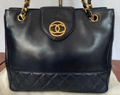 1989 CHANEL CC Navy Blue Quilted Lambskin Medium Tote Chain Link Shoulder Bag Made in Italy